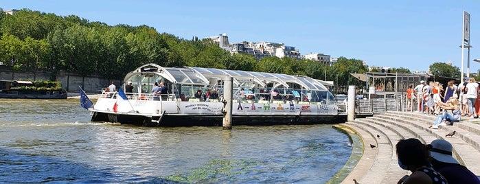 Bateaux Parisiens Dinner Cruise is one of Paris.