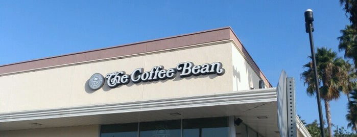The Coffee Bean & Tea Leaf is one of Lugares favoritos de Mark.