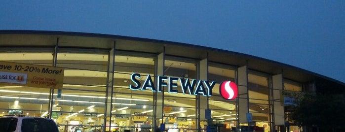 Safeway is one of Chris'in Beğendiği Mekanlar.