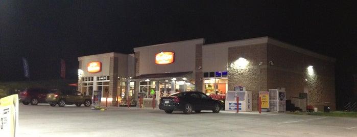 GetGo Gas Station is one of Orte, die Shelley gefallen.