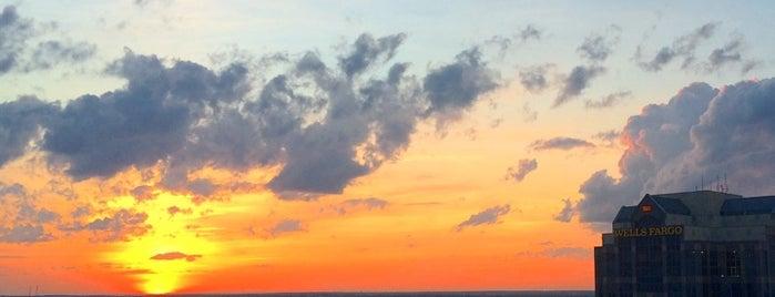 Sunset is one of Lieux qui ont plu à Chelsea.