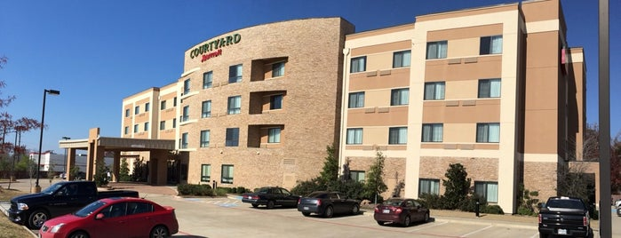 Courtyard Lufkin is one of Amandaさんのお気に入りスポット.