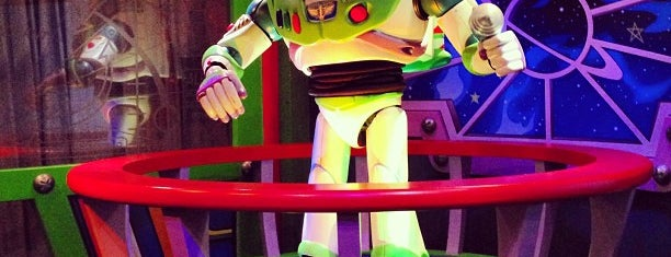 Buzz Lightyear Laser Blast is one of Orte, die Peter gefallen.
