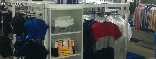 adidas Originals Store Granai is one of Lieux qui ont plu à Daniele.