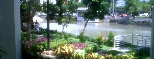 Taman Ekspresi is one of Characteristic of Surabaya.