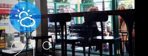 Starbucks is one of Tempat yang Disukai Angel.