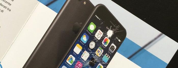 iPhoneRepair is one of Lieux qui ont plu à Luca.