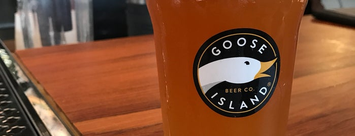 Goose Island Brewhouse is one of Thaís 님이 좋아한 장소.