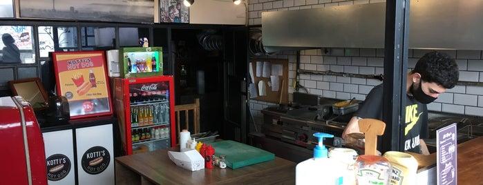 Kotti's Hot Dog is one of Tempat yang Disukai Asli.