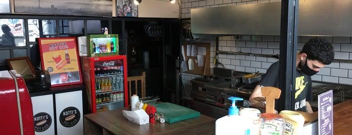 Kotti's Hot Dog is one of Sıra dışı yeme içme mekânları.