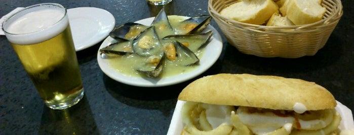 La Mejillonera is one of CAST. LEON ★ Comer ★.