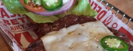Smashburger is one of Lieux qui ont plu à David.