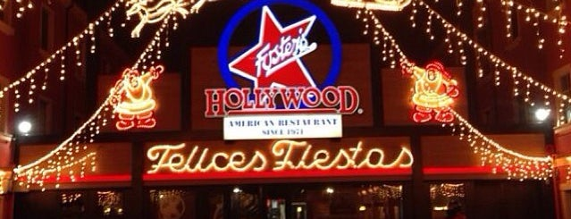 Foster's Hollywood is one of สถานที่ที่ Ana ถูกใจ.