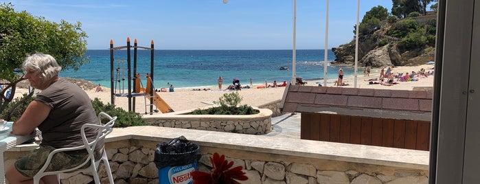 Mandala Beach Bar & Restaurant is one of สถานที่ที่บันทึกไว้ของ Ysabel.