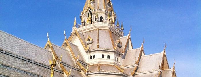 Wat Sothon Wararam Worawihan is one of darunee 🌸 님이 좋아한 장소.