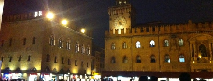 Piazza Maggiore is one of #4sqCities#Bologna - 80 Tips for travellers!.