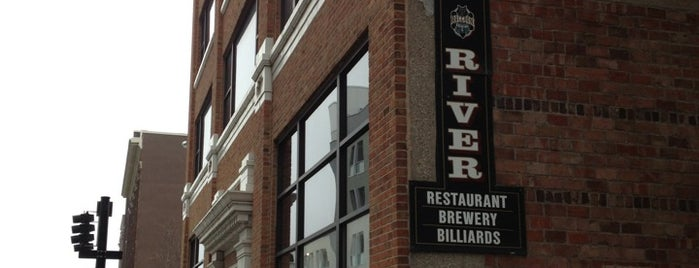 Raccoon River Brewing Company is one of Tempat yang Disukai Nate.