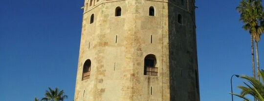 Torre del Oro is one of Sevilla travel tips.