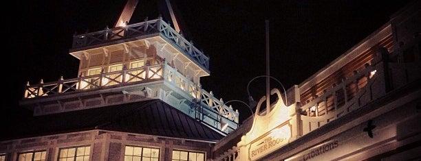 Disney's Port Orleans Riverside Resort is one of Lauren 님이 좋아한 장소.