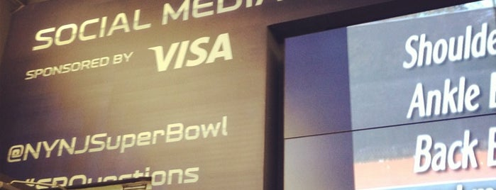 Super Bowl Social Media Communications Center is one of Posti salvati di JRA.