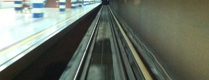 Yenimahalle - Metro (202) is one of Orte, die Yunus gefallen.