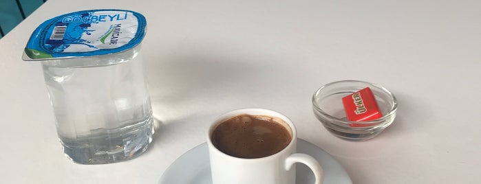 Cafe Laf Bakırköy is one of Meltem'in Beğendiği Mekanlar.