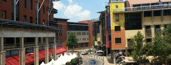 Melrose Arch is one of lua de mel.