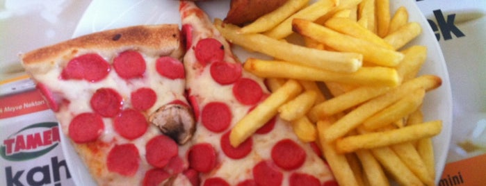 Pizza Timo is one of Lieux qui ont plu à Serpil.