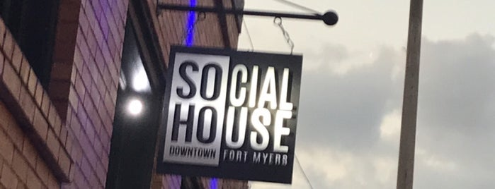 Social House is one of John 님이 저장한 장소.