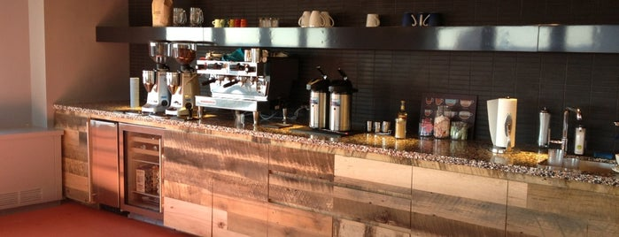 Dino Café is one of Tempat yang Disukai Abby T..