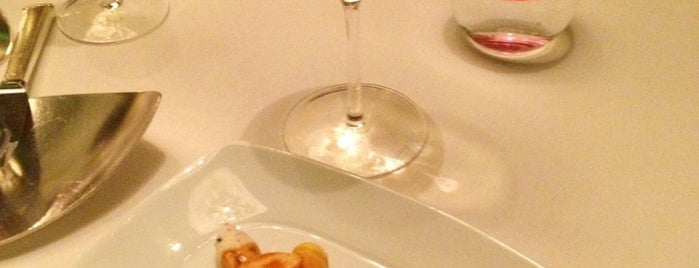 Alain Ducasse at The Dorchester is one of Michelin ★★★ 2013.