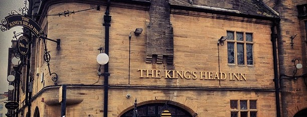 The Kings Head Inn (Wetherspoon) is one of Tempat yang Disukai Carl.