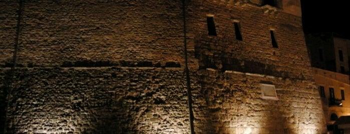 Castellammare del Golfo is one of Tempat yang Disukai Anne.