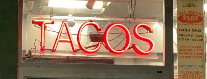 Taco Stand is one of Ellis 님이 좋아한 장소.