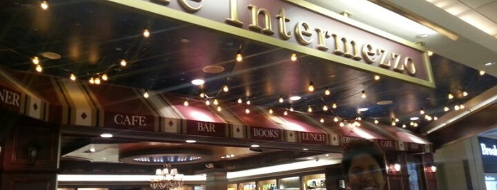 Café Intermezzo is one of Locais curtidos por ATL_Hunter.