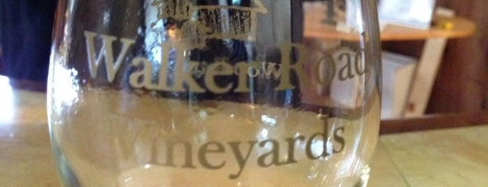 Walker Road Vineyard is one of Lindsayeさんのお気に入りスポット.