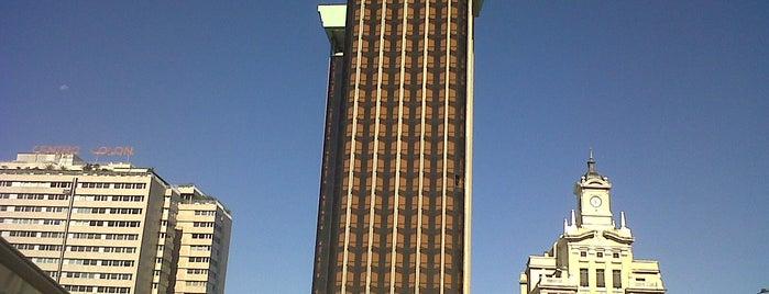 Torres de Colón is one of Ruta Colorea Madrid por el Skyline de Madrid.