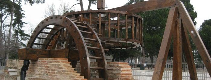 "La Noria Del ""Huerto Del Francés"" is one of Ruta Colorea Madrid para conocer el Retiro."