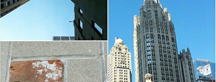 Tribune Building Historic Stones is one of Tempat yang Disukai Rick.