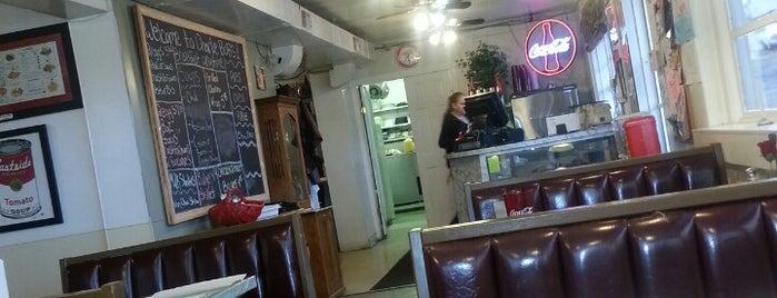 Charlie Bob's is one of Locais curtidos por Experience.