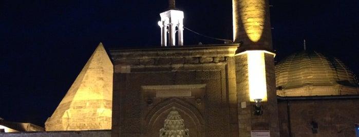 Hunat Camii is one of Posti salvati di MZ'Cİ.