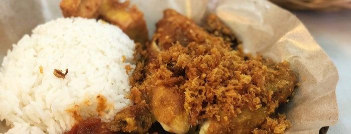 Impian Wahyu is one of Micheenli Guide: Nasi Ayam Penyet/Goreng in SG.
