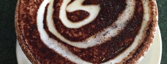 Macy's European Coffeehouse & Bakery is one of Maria'nın Beğendiği Mekanlar.