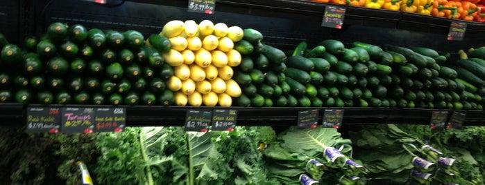 MOM's Organic Market is one of DJ Ken: сохраненные места.