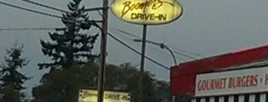 Boomer's Drive-In is one of Locais curtidos por Melissa.