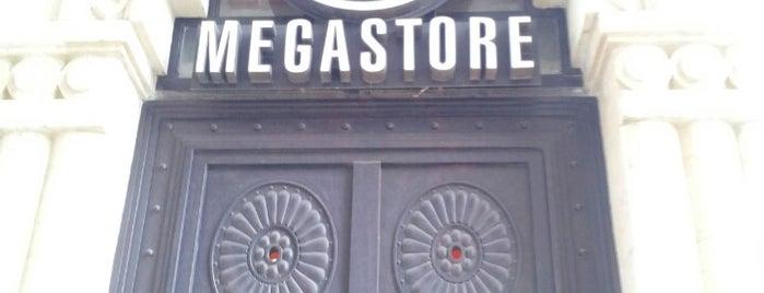 Virgin Megastore is one of Locais curtidos por Mil e Uma Viagens.