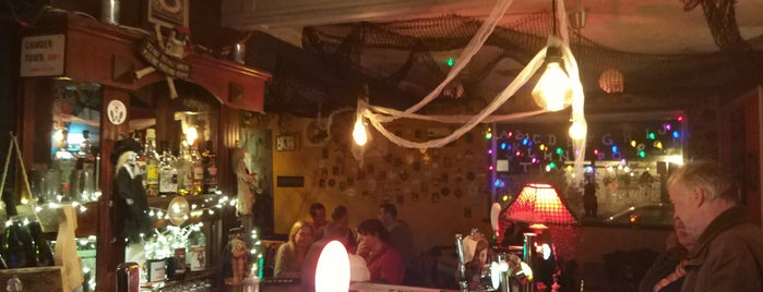 The Oxford Pub is one of Posti che sono piaciuti a Carl.