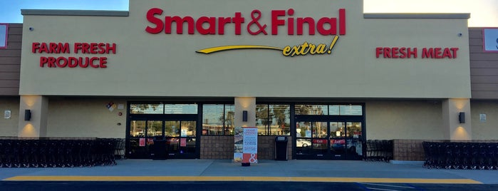 Smart & Final Extra! is one of Lugares favoritos de Dan.