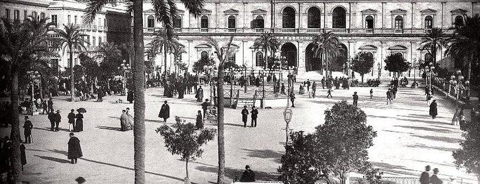 Plaza Nueva is one of Cosas que ver en Sevilla.