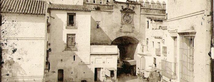 Arco del Postigo is one of Cosas que ver en Sevilla.